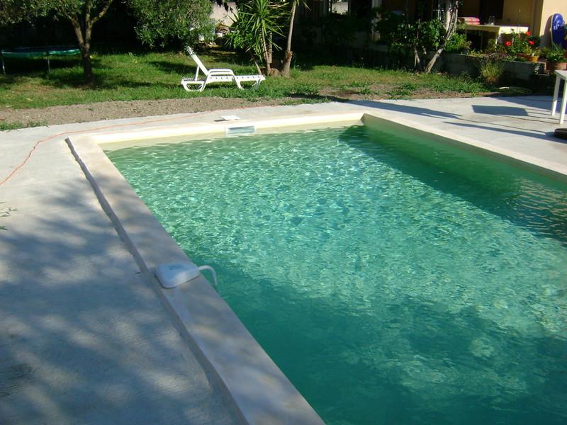 Corse piscines corse piscines concept constructeur de for Piscine monobloc